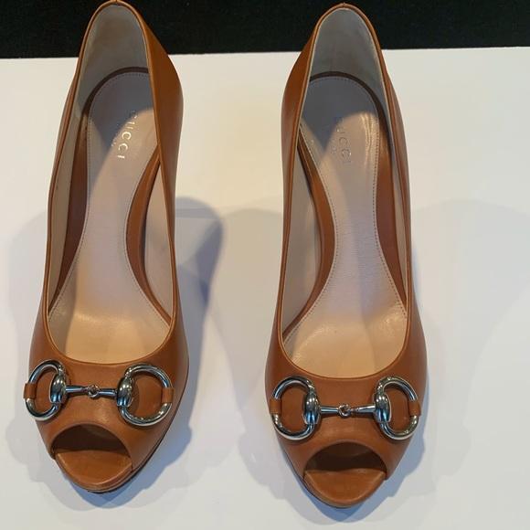Gucci Shoes - Gucci Peep Toe Pump